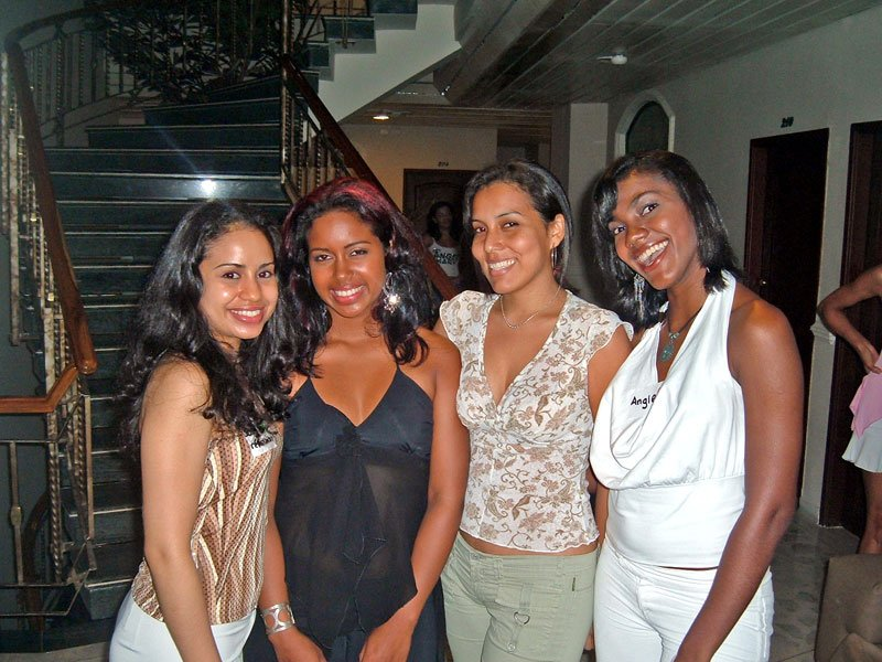 Beautiful-panamanian-women-Travel-to-Panama