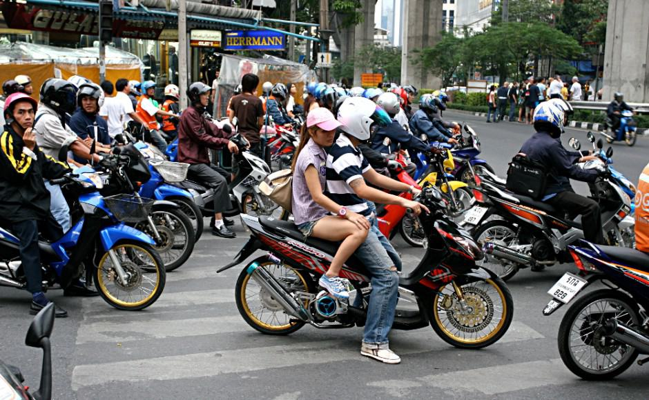 10 Tips On Renting And Using Motorbikes Safely