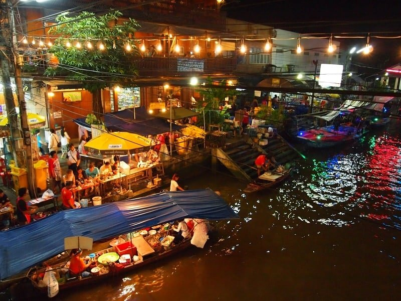Amphawa the evening Floating Market