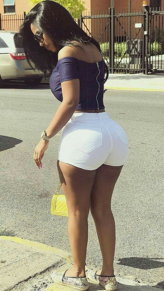 Sexy Thick Latinas (15 Photos