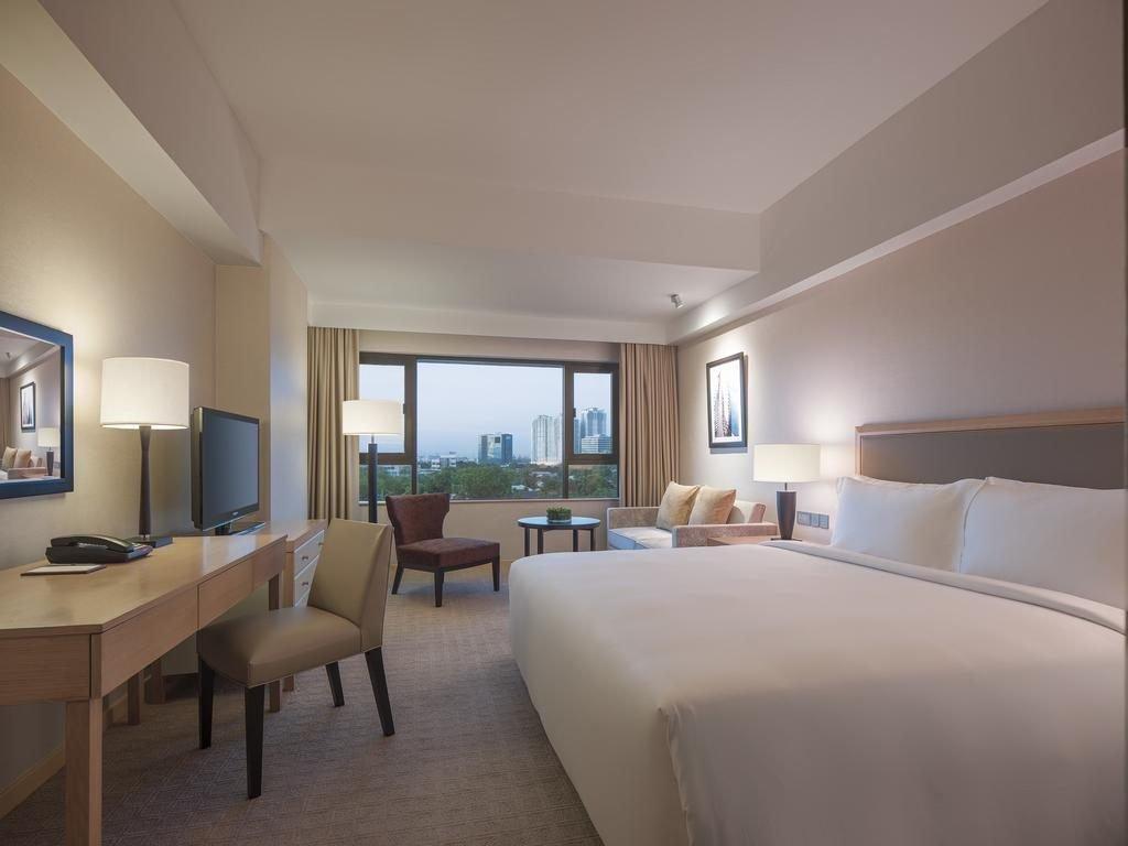 Makati Guest Friendly Hotels: New World Makati Hotel